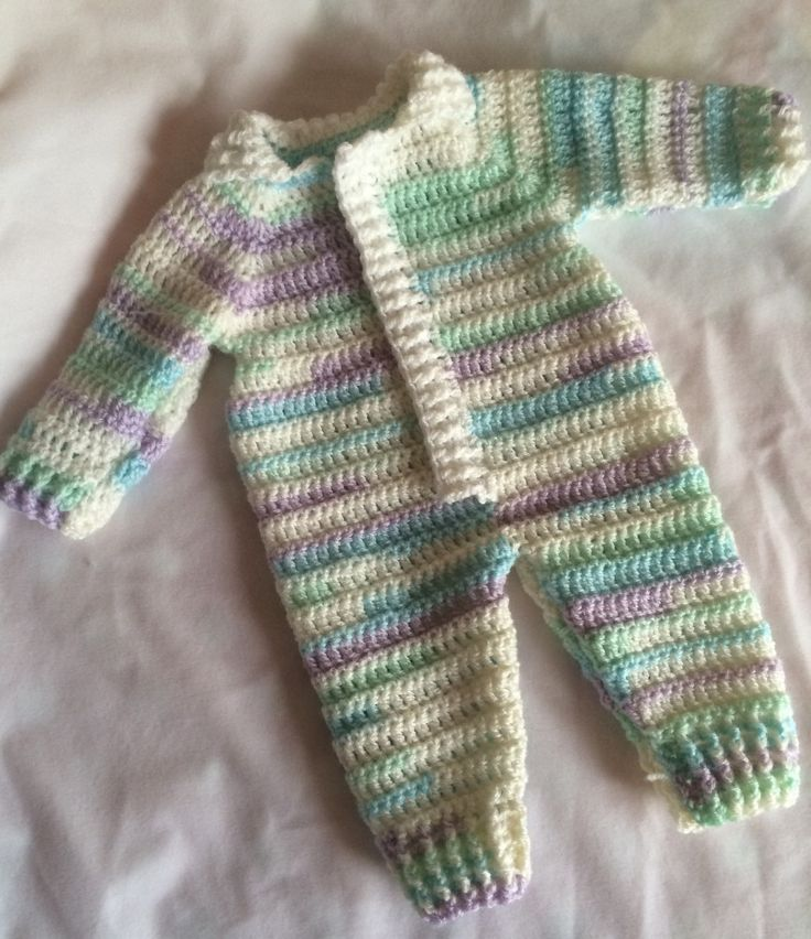This is based upon a couple of patterns that weren't quite right so I mashed together therefore this is a FREE pattern :) It is also a rewrite in parts of the Drops Designs Baby Blues Romper. I use...