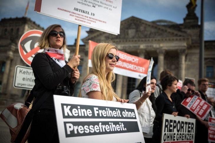 Reporter ohne Grenzen: Weitere Verfassungsbeschwerde gegen BND-Überwachung: Kundgebung… #Kurzmeldungen #Bundesnachrichtendienst #G10Gesetz