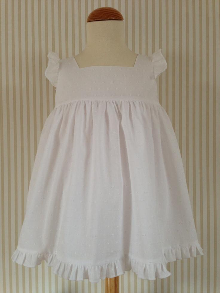 Vestido en delicado plumeti de algodón blanco