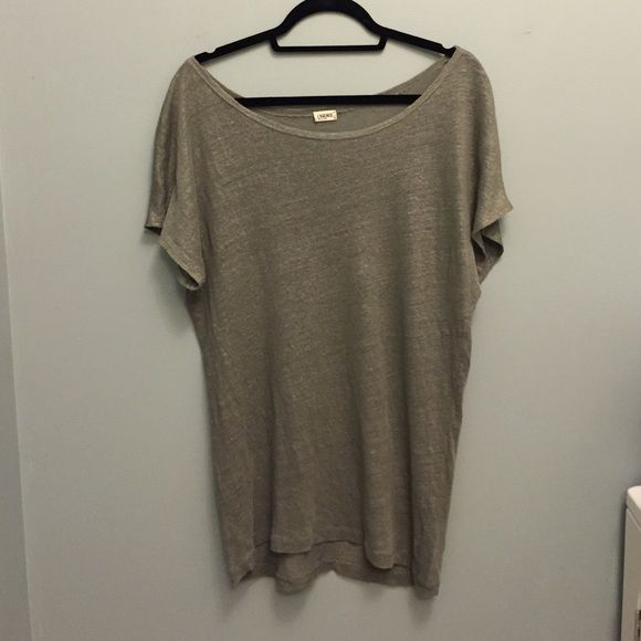 L'AGENCE Grey/Olive/Silver Short Sleeve Top Gently used. Super cute with leggings. L'AGENCE Tops Tees - Short Sleeve