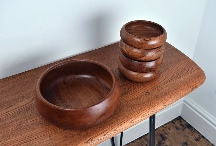 Beautiful Midcentury/Vintage/Retro Rich Teak Wooden Serving Bowls.