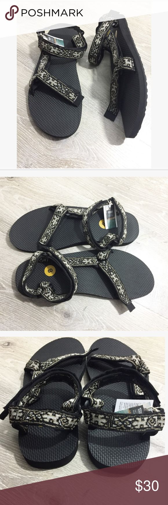TEVA-Universal Orignial Men's Sandals Velcro closure Size 8 (size 10 in women's) Mosaic design Out of box --New with tags No flaws Teva Shoes Sandals & Flip-Flops
