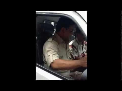 Prabowo mencoba mobil Esemka di SMKN 1 Trucuk
