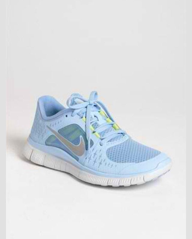 baby blue nike running shoes