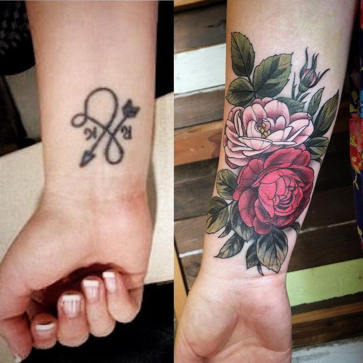 Pin by Eduarda Barreto on tattoo | Flower wrist tattoos, Wrist tattoo cover up, Forearm cover up tattoos