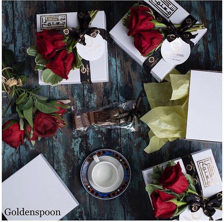 هدايا يوم المعلم الهديه تتكون من فنجان قهوه تركيه كاكاو بلجيكي بحشوات مختلفه ورد طبيعي كرت اهداء لحجز ط Instagram Posts Gifts Gift Wrapping