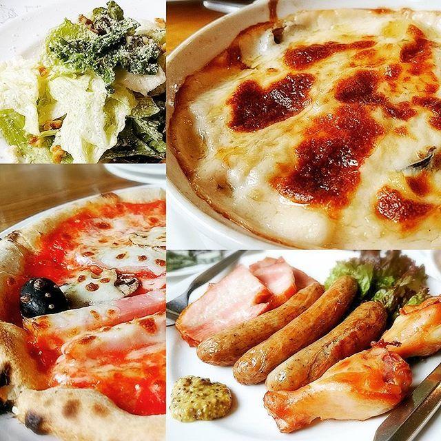 🍕🍗🍴__オールドヒッコリー.イタリアン  昔からの馴染んだお店、10年ぶりくらいの再訪  ここのジェノバピザは家で真似するほど好き!!🌿今回はサルソマジョーレだけど… グラタンは濃厚クリーミーでまったりなホワイトソース、それをずっしり含んだマカロニ、ごろっと大きいエビやきのこ!もー幸せ🙌 厚みのあるカリッとジューシーな肉達も、石窯焼き立てピザも満遍なくうまーい  #グルメ #オールドヒッコリー #ピザ #グラタン #肉 #シーザーサラダ #チキン #ソーセージ #ベーコン  #food #pizza #bacon #gratin #meat #yummy #foodpic #foodporn #delicious #foodie #tasty #instafood