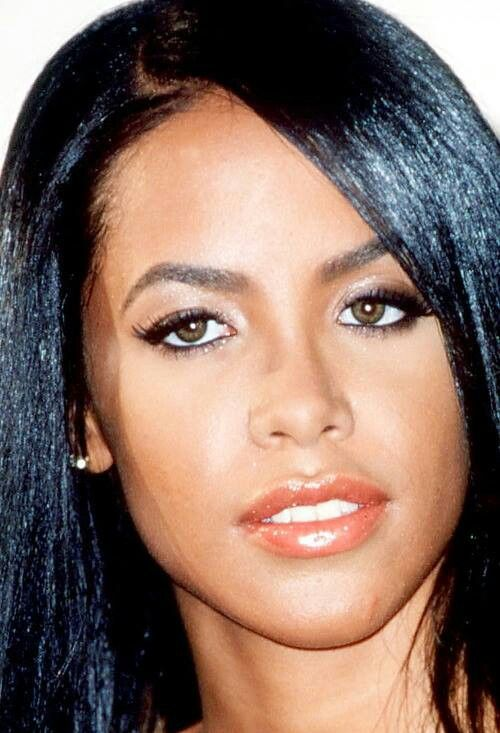 Aaliyah (16/1/79 - 25/8/01) Age: 22 (Plane Crash)