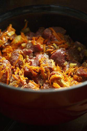 Говядина с рисом в горшочке | Четыре вкуса