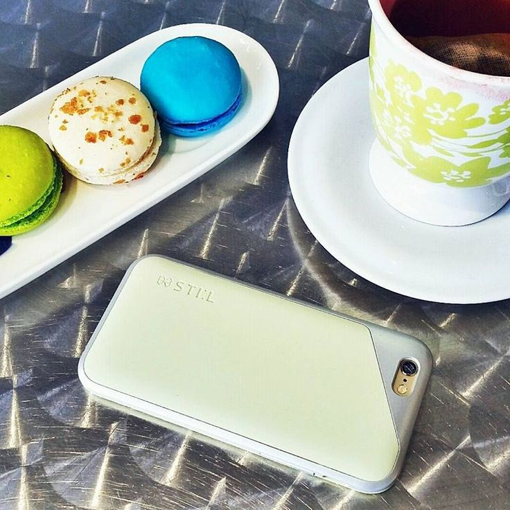 """Instagram의 Afroza Khan님: """"Kusmi tea & macaroons - my mid day treats  love how my @stil_mind phone case matches the pretty tea cup  #2015STILPHOTOWALL #STILMIND #miamifashionblogger #fblogger #phonecase #iphone6 #igers #igfashion #iphone #fashionblogger #love #like #girl #miami #streetstyle #green #macaroons #highfashion #style #fashion #colors #tea #kusmitea #miami"""""""