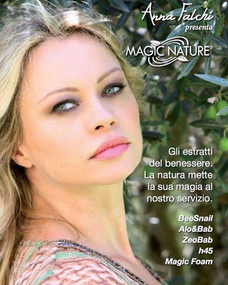 """Mi piace"": 860, commenti: 17 - Anna Falchi (@annafalchi22) su Instagram: ""New project #testimonial #magicnature #lifeprime #magiccooker #beesnail #aloebab #h45 #beauty #face…"""