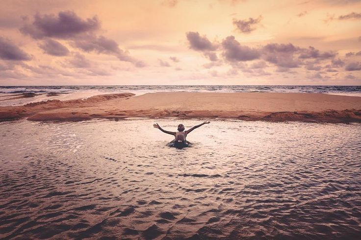 Bay of Bengal | India . . . . #travel #india #wanderlust #bucketlist #marjilang #somewheremagazine #AGameofTones #globalcapture #mood #myfeatureshoot #bestoftheday #natgeotravelpic #artofvisuals #resourcemag #aov #canon_photos #reportagespotlight #lonelyplanet #natgeo #natgeotravel #beautifuldestinations #wonderful_places #awesomeearth #roamtheplanet #folkgood #gearednomad #canonasia #indianphotography #indiapictures #moodygrams