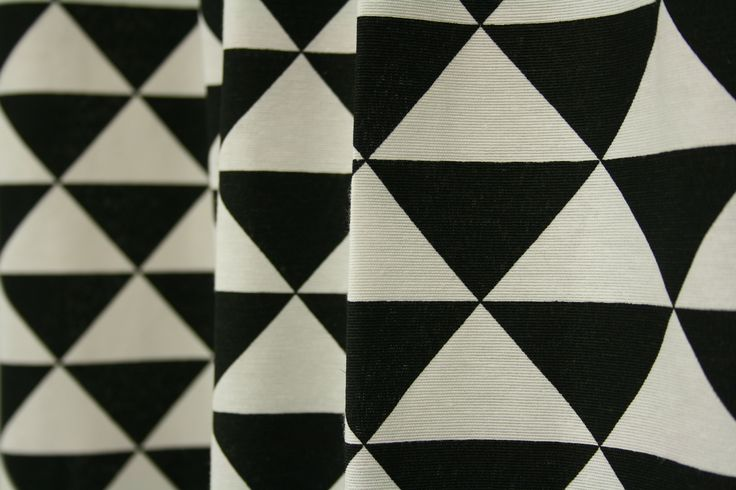 Black&White - Triangle. Moderne stof met trendy look