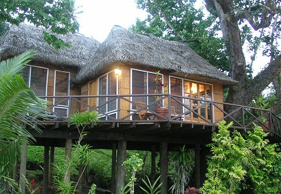 Tree house suite at Matangi #fiji #Holiday #Packages