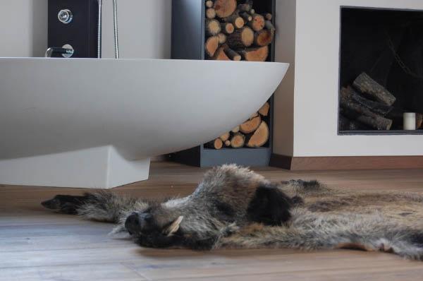 Agape bad en haard in de slaapkamer, een ontwerp voor de slaapkamer in een Toscaanse villa www.anai.nl