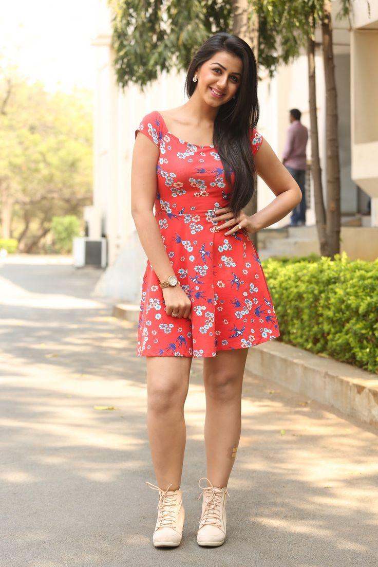 Actress Nikki latest sizzling photos ★ Desipixer  ★