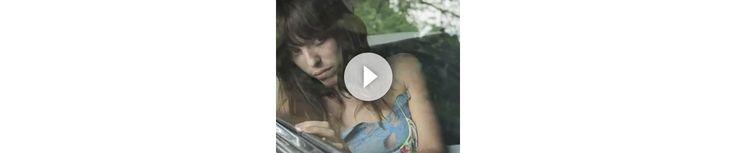 Pour la quatrième saison consécutive, Vanessa Bruno a fait appel au talent de réalisatrice de Stéphanie Di Giusto et d'actrice de Lou Doillon pour un nouveau court métrage mettant en scène la collection printemps-été 2011. Appelé 'Miracle', ce mini film d