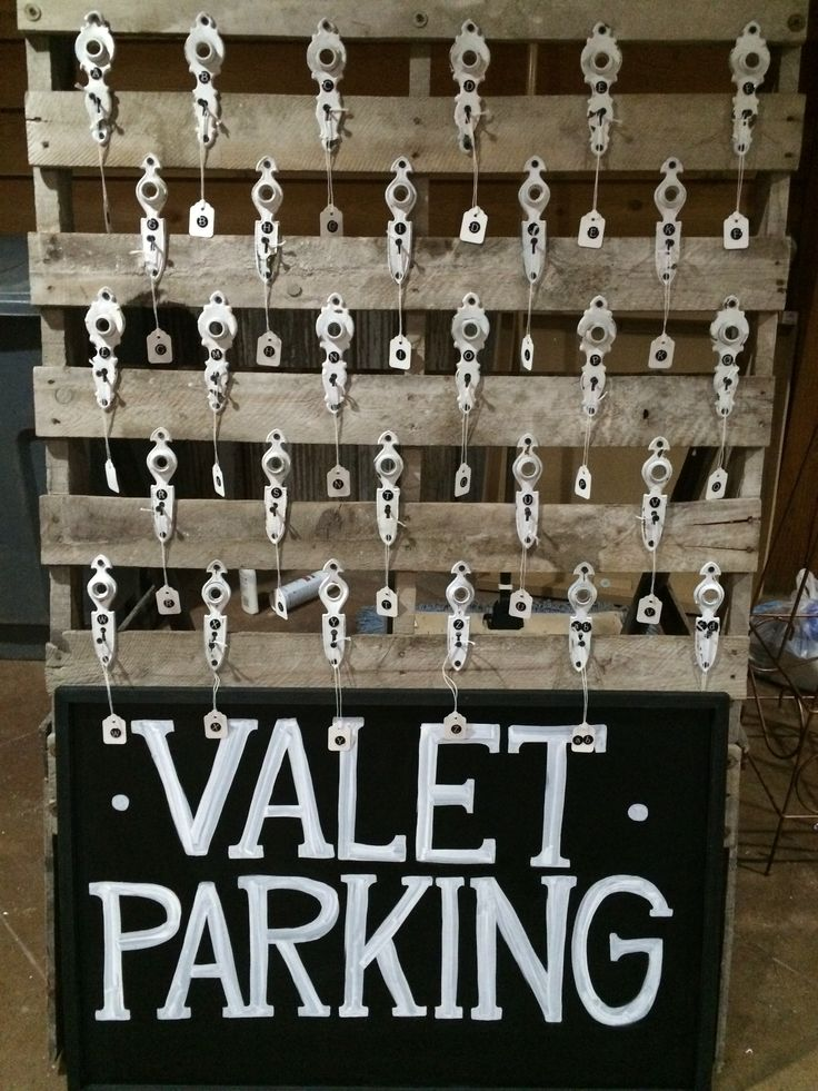 Valet Parking Stand -repurposed pallet