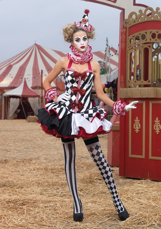 Pattern and color co-ordination is what makes this outfit so great. Oh, and the circus face paint.