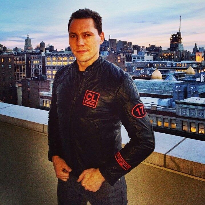 ((( <3 ))) :) Tiesto's Birthday Treatment  Mix All Of Me so beautiful TIESTO :) <3  Love you <3 :* :) ThankYou <3 What a wonderful surprise <3 :) .....jan 17 2014<3 .... ( free download http://emailunlock.com/tiesto/all-of-me-tiestos-birthday )