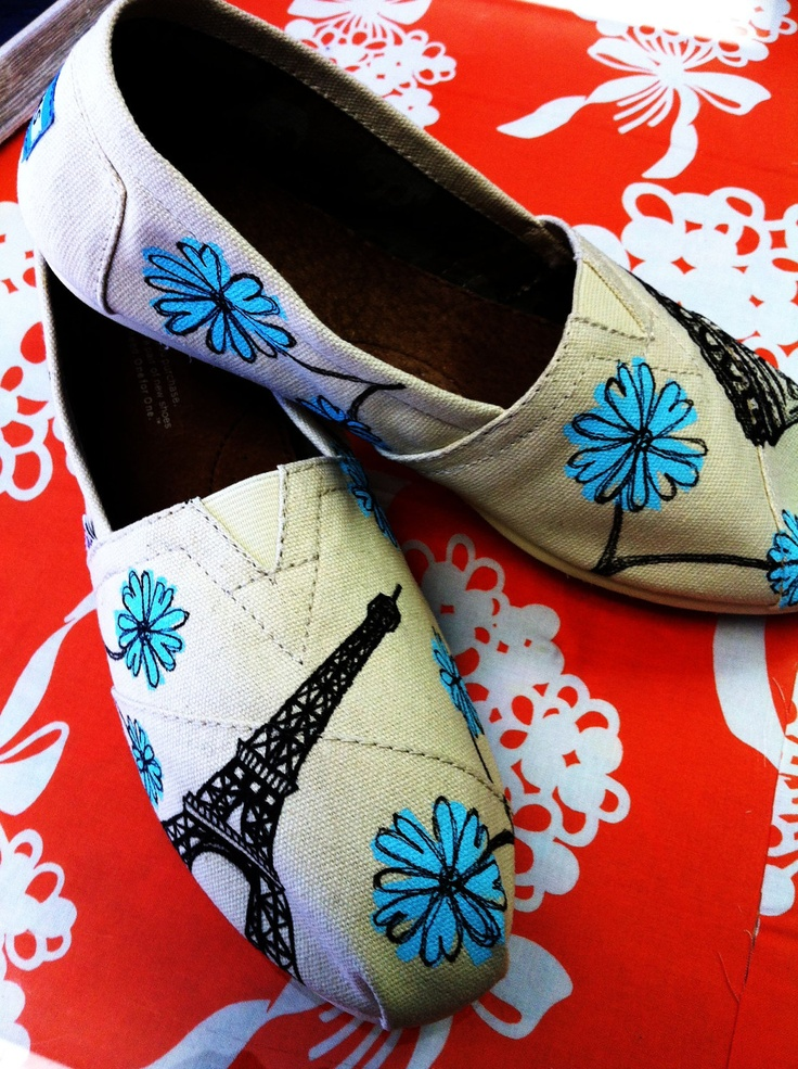 eeeeeeeeeeek!!!!!! I LOVE these TOMS!!!!!!!! :):):) somebody get these for me :):):):):):):):):):):):):)