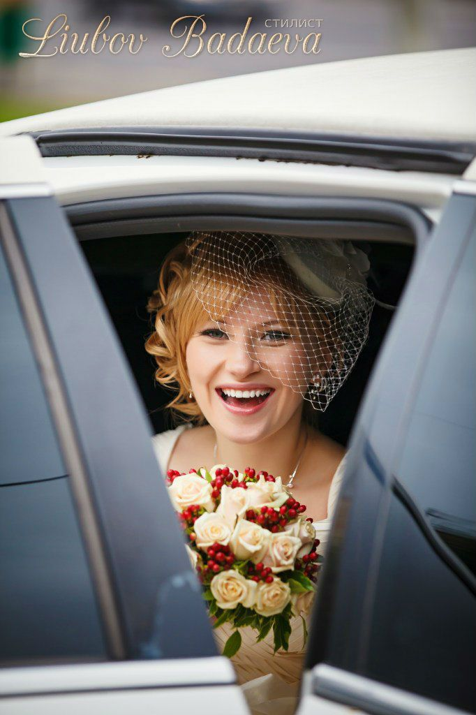 свадебная прическа с вуалью, свадебная прическа, свадебная прическа стиль ретро, свадебная прическа на светлые волосы, свадебная прическа на средние волосы