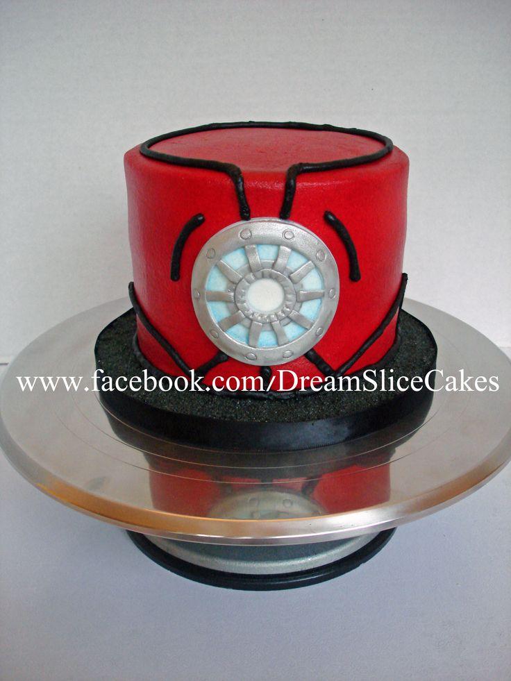 Small Iron Man cake