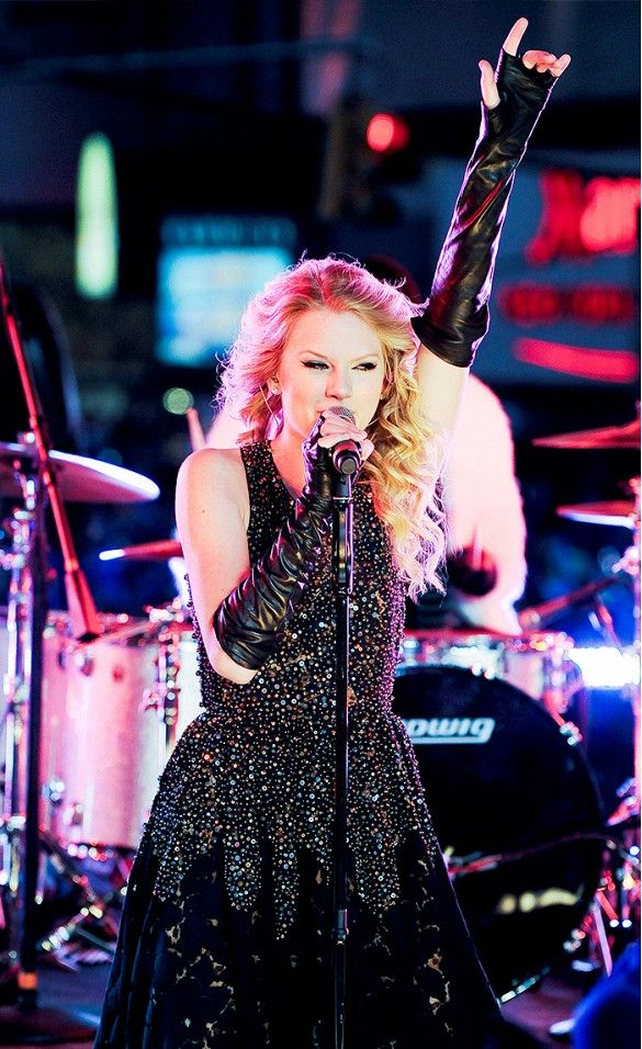 No high-waist shorts here, but Taylor Swift did rock leather long gloves.