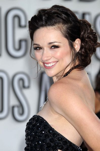 Crystal Reed! One of my favorite actresses~