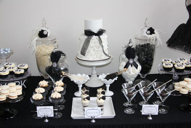 Black and White Party Dessert Table #blackwhite #desserttable