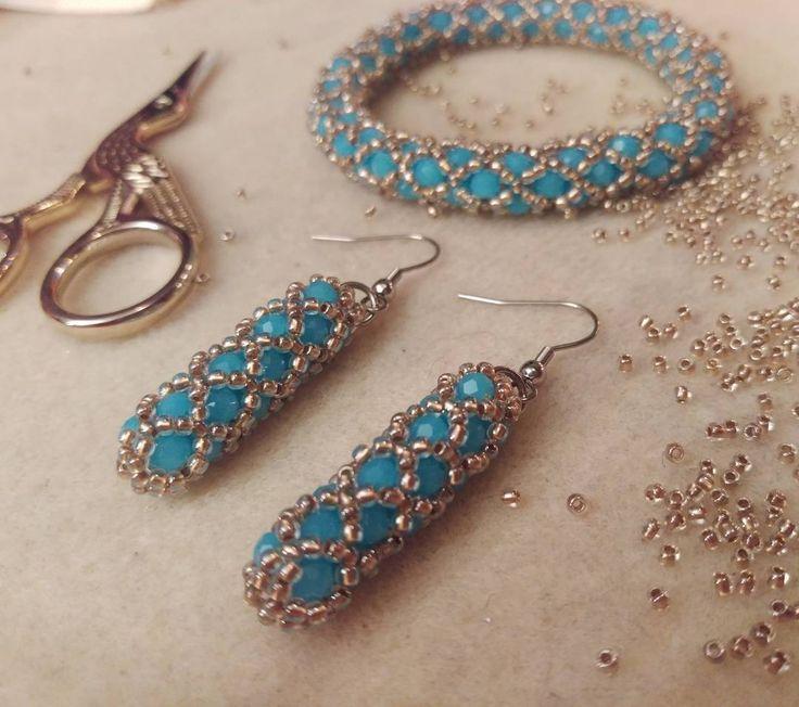 We on Facebook: http://ift.tt/2jRHDjd Beautiful Beaded Jewelry #underbeads by @underbeads Check our #AmazingPhoto WEBSTA: Letni zestaw na zamówienie. Błękit i złoto to wyjątkowo udane połączenie  #bracelet #bransoletka #handmade #recznierobione #jewellery #bizuteria #blinkblinkbizu #oneofakind #mypassion #handcrafted #accessories #sznurkoralikowoszydelkowy #jewelrydesign #tohobeads #koralikitoho #beadcrochet #koralove #beadswork #forsale #nasprzedaz #preciosa