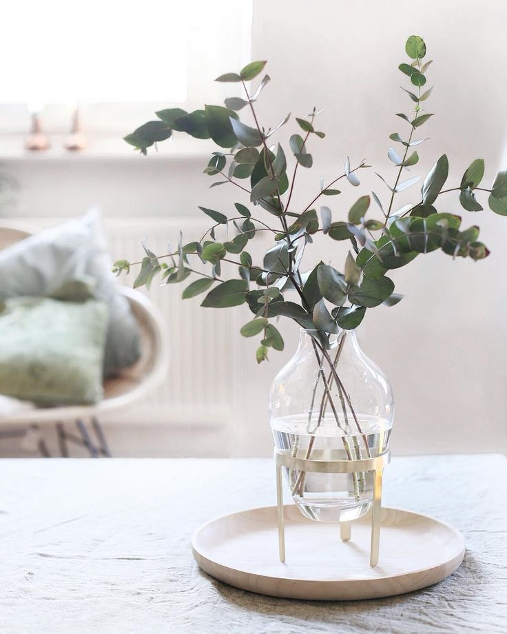 Fresh flowers or branches can not be missing in any home. Not only bloggers and …