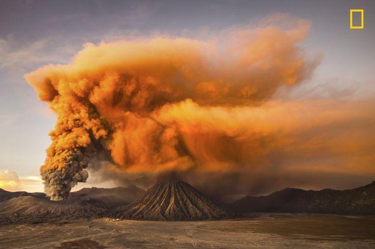 Brummender Zwerg: Der Mount Bromo auf der indonesischen Insel Java ist klein...