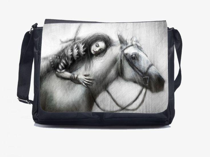 "A legjobb barátom - Oldaltáska You can order this lovely Shoulderbag ""Love my Horse"" HERE: http://oldaltaska.hu  If you have any question please don't hesitate, write to us: hello@oldaltaska.hu"