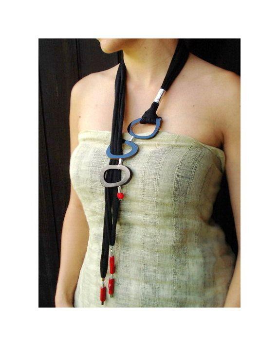 Long lariat necklace black horn necklace red por DenDesignjewels