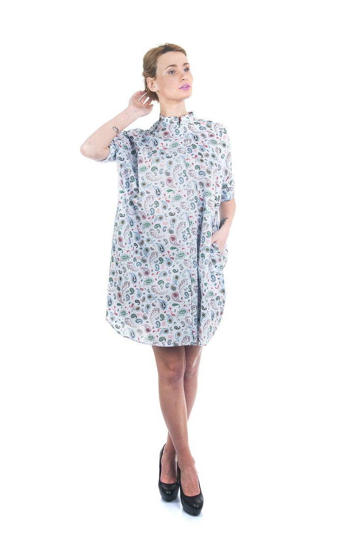 Платье голубое узор  Natalie Короткое легкое платье с оригинальный принтом. Свободный крой, короткий рукав. Хлопок