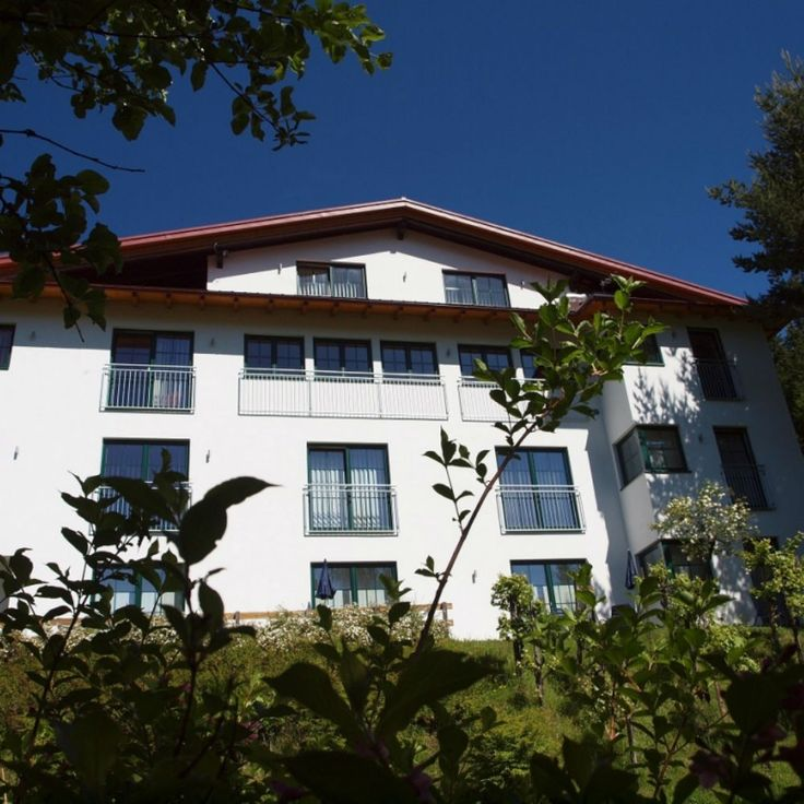 Nicely located hotel Planaiblick in Austria for walkers, cyclists and active sports enthusiasts. In the vicinity plenty of opportunities for canyoning, rafting and downhill mountain biking.