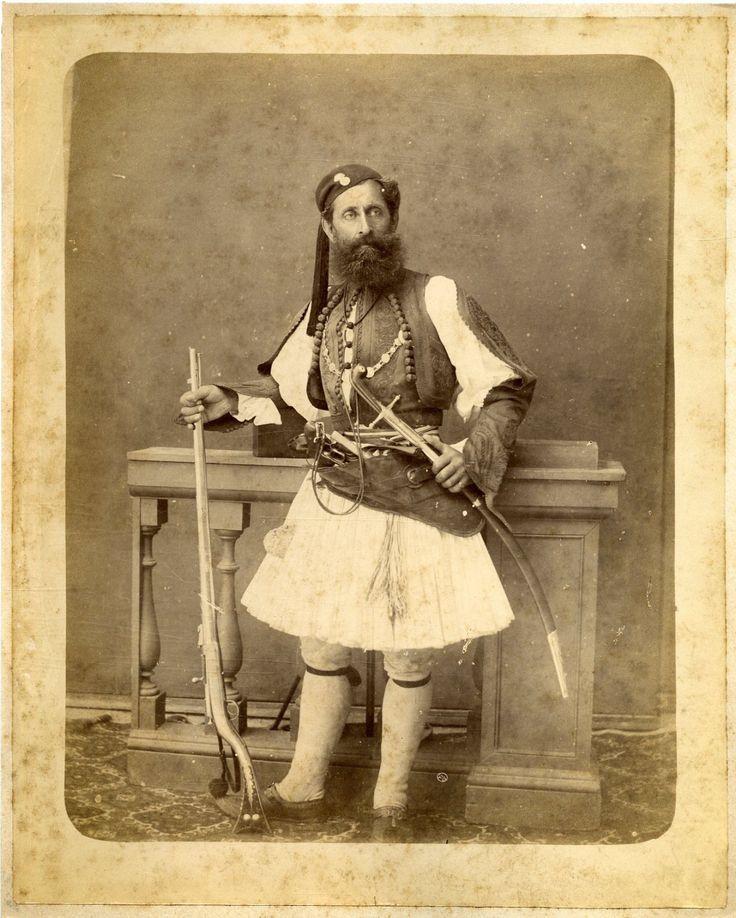 Turquie, Smyrne, Costume Grec d'homme. Fustanelle. Grec Man Costume     #Orient #Turquie_Türkiye
