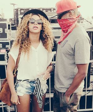 Jay Z & Beyoncé might go on tour TOGETHER — cancel your summer plans