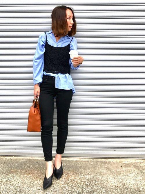 お仕事スタイル❤️ いつもよりちょっときれいめ☺️☺️ オーバーサイズの綺麗な色のブルーのシャツに、