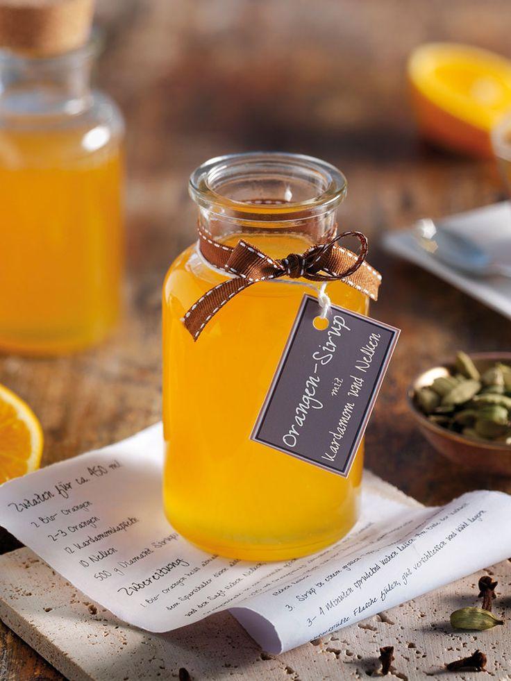 Der Sirup aus fruchtigen Orangen mit Kardamom und Nelken passt ideal zu schokoladigen Desserts wie Mousse oder Eis. #Sirup #Orangen #Kardamom #Nelken #Rezept