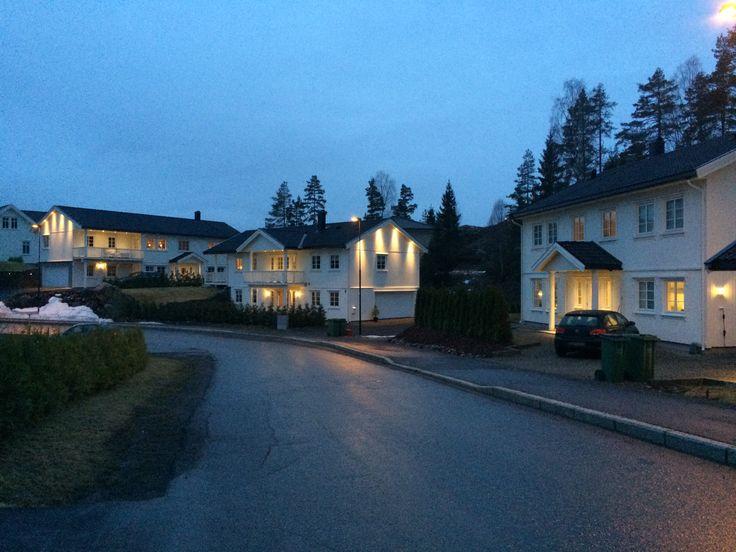 3 hus i Opsalvegen tegnet og prosjektert av SDK Consult.