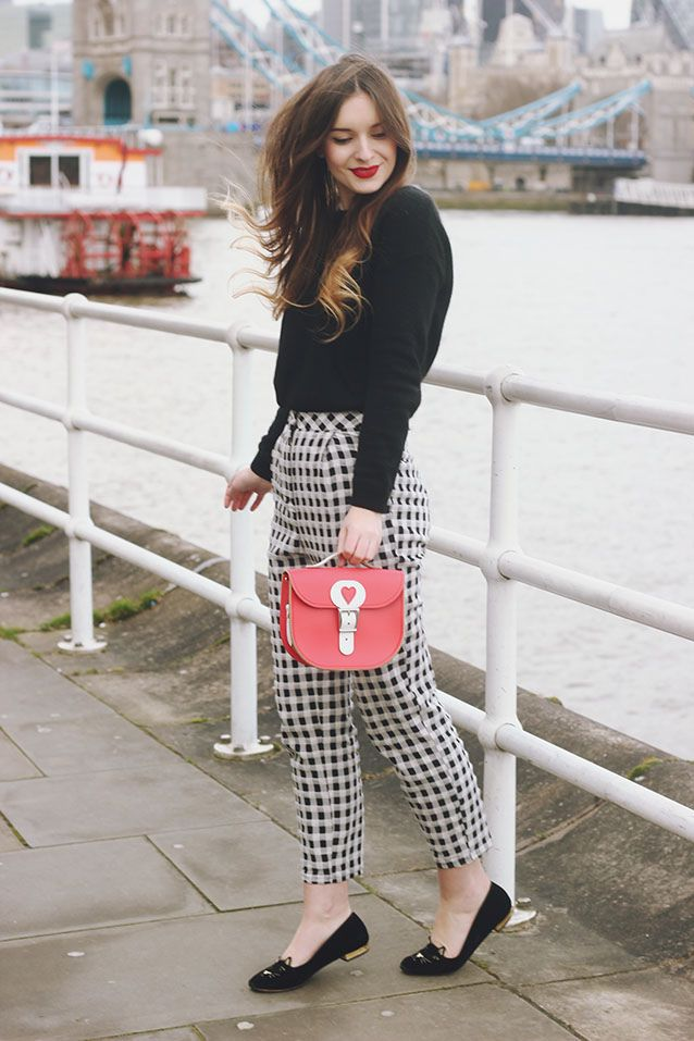 Gingham Trousers, Black Sweater, Black Flats, & a Red Bag. Beautiful trousers!