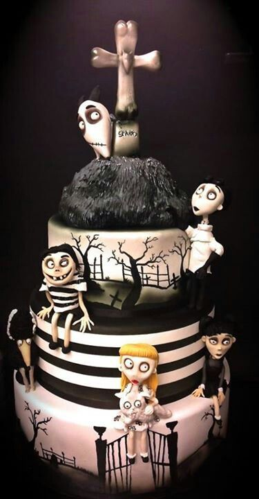 Frankenweenie cakeMovie Parties, Amazing Cake, Halloween Treats, Tim Burton, Awesome Cake, Scary Halloween, Halloween Cake, Frankenweenie Cake, Timburton