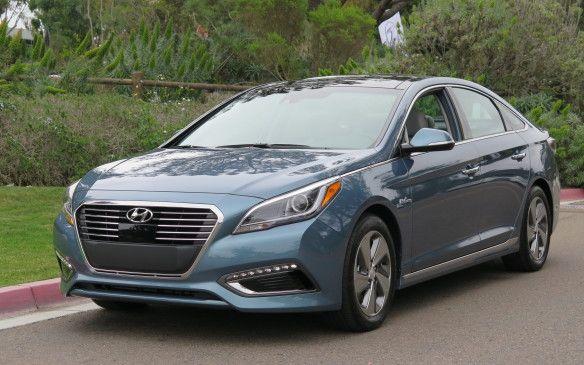 Read our 2016 #Hyundai Sonata #Hybrid review.