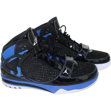 JOE JOHNSON BROOKLYN NETS 2013-2014 GAME-USED BLACK BLUE & WHITE JORDAN  SHOES