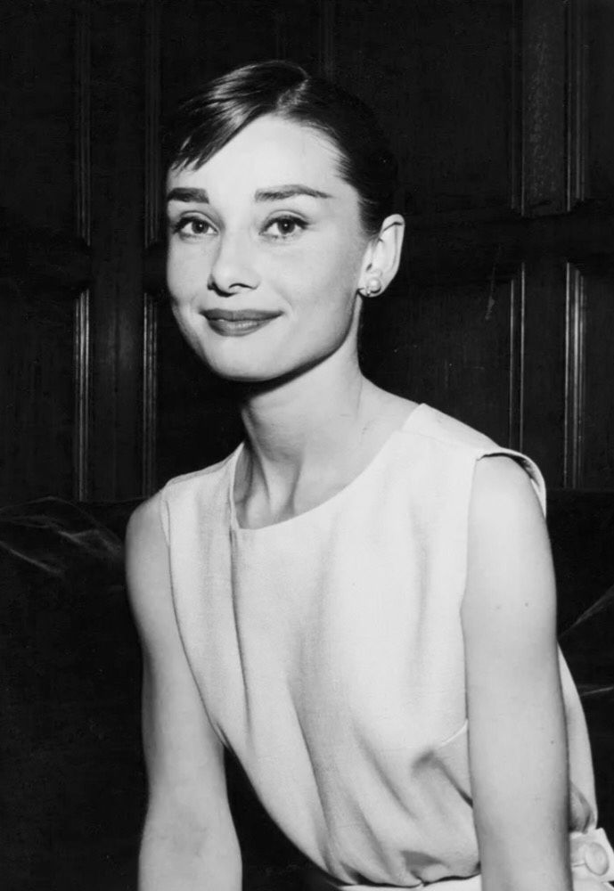 the forever beauty of audurey hepburn Audrey hepburn was a british actress, model, dancer and humanitarian  recognised as a film  discovers a beatnik bookstore clerk (hepburn) who,  lured by a free trip to paris, becomes a beautiful model  while films in review  stated that her performance will forever silence those who have thought her less  an actress.