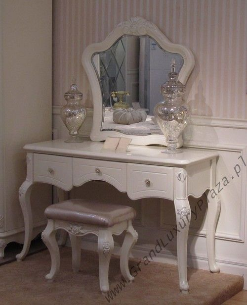 17 best images about coiffeuse on pinterest dressing mirror vanities and dressing tables. Black Bedroom Furniture Sets. Home Design Ideas
