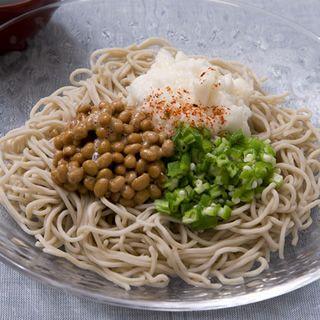 ねばねば三色そば http://www.iris-kurashi.com/kitchen/cooking/s-noodle/03.asp