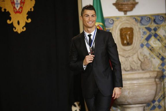 Cristiano Ronaldo receives knighthood in Portugal